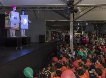Piá e SIG Combibloc entregam doação para recicladores de Porto Alegre
